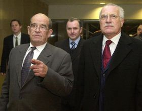 Presidente Václav Klaus y ombudsman Otakar Motejl, foto: CTK