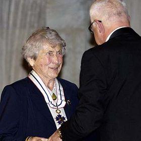 Hilda Ciháková-Hojerová recibe la Orden de TGM (Foto: CTK)