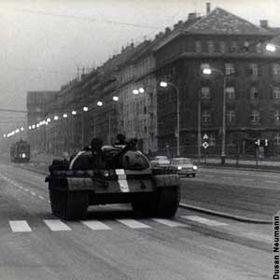 Soviet invasion of Czechoslovakia in 1968, photo: Dusan Neumann, CC BY-SA 3.0