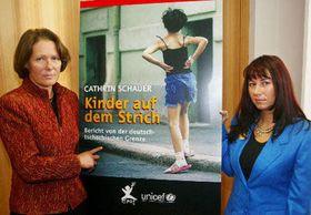 Christina Rau (por la izquierda) a Cathrin Schauer, foto: CTK
