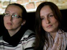 Эва Михалакова и ее сестра Зузана Совкова (Фото: ЧТК)