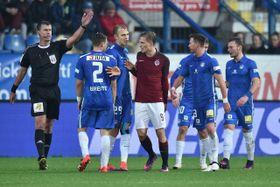 Bořek Dočkal gets a red card, photo: CTK