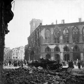 разрушения на Староместской площади, фото: VHÚ