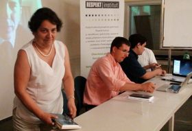 De izquierda a derecha: Patricia Escalona, Jakub Klepal y Carlos González