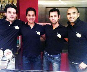 Los fundadores de la taquería El Paisa