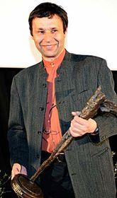 Jan Šikl with the Kristian Award, photo: CTK
