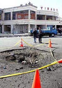 Kráter po výbuchu vcentru Šarm aš-Šajchu, foto: ČTK