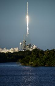 SpaceX Falcon 9 rocket lifts off from Kennedy Space Center in Cape Canaveral, Fla., July 5, 2017, photo: CTK