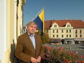 Ředitel Prácheňského muzea Jiří Prášek na balkonu písecké radnice, foto: Martina Bílá
