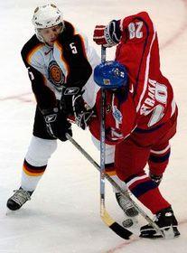 Czech Martin Straka fights with German Robert Leask, photo: CTK