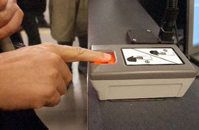 Daktyloskopie jako součást bezpečnostních opatření na letištích vUSA, foto: ČTK