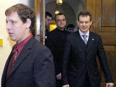 Los líderes de los partidos de la coalición gubernamental checa - Stanislav Gross, Pavel Nemec y Miroslav Kalousek (Foto: CTK)