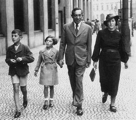 Peter Ginz (left) and his family