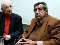Günter Grass mit Tomáš Kosta (Foto: ČTK)