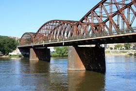 Le pont ferroviaire, photo: Barbora Kmentová