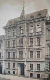 Stephan Tragl: Gemeindehaus und Turnhalle in Prag