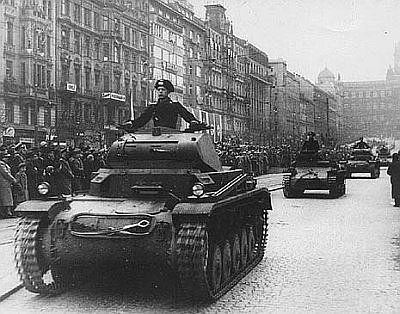 Image result for nazis invade czechoslovakia pictures