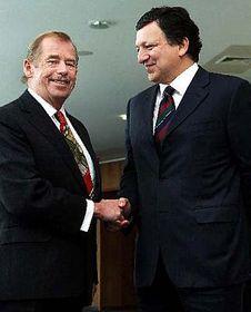 Václav Havel (vlevo) spředsedou Evropské komise José Barrosem, foto: ČTK