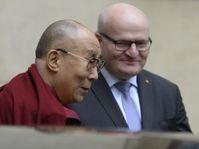Le dalaï-lama et Daniel Herman, photo: ČTK
