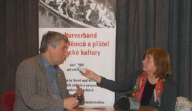 Herbert Schmid während des Gesprächs (Foto: Archiv der Organisation Arbeit und Leben)