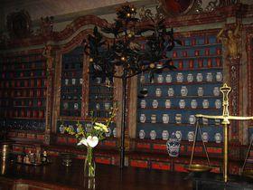 Интерьер барочной аптеки «У граната» (Фото: Ольга Васинкевич, Чешское радио - Радио Прага)