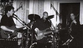 Lou Reed, Fernando Saunders y Mejla Hlavsa (La Casa Blanca en Washington, EE.UU., 1998)