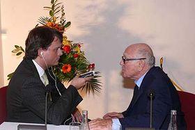 Gerd Bacher im Gespräch mit Gerald Schubert (Foto: Josef Himmelbauer)