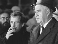 Ladislav Adamec s Václavem Havlem v listopadu 1989, foto: ČTK