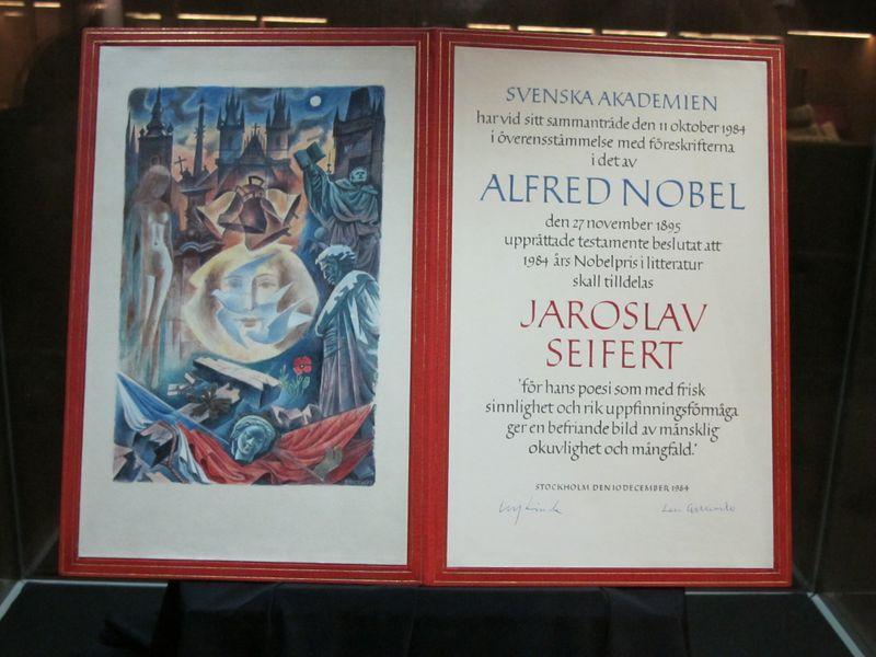 Диплом о присуждении Нобелевской премии Ярославу Сейферту, фото: Мартина Шнайбергова