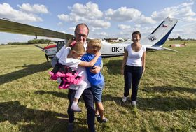 Roman Kramařík mit seiner Familie (Foto: ČTK / Vít Šimánek)