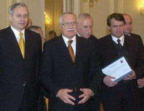 Vaclav Klaus con los representantes regionales (Foto: CTK)