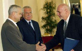 Vladimir Spidla, Vaclav Klaus y Pavel Rychetsky, foto: CTK