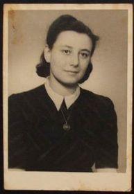 Ruth Bondy dans les années 40, photo: Post Bellum