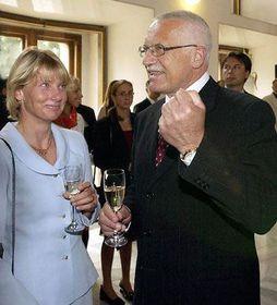 Штепанка Хилгертова и президент В. Клаус (Фото: ЧТК)