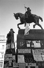 V prvních dnech po 17. listopadu se centrem dění stalo Václavské náměstí, foto: Jan Vodňanský, archiv ČRo