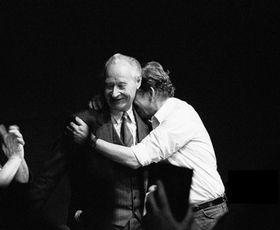 Alexander Dubček und Václav Havel kurz nach der Gründung des Bürgerforums (Foto: Jaroslav Kučera, CC BY-SA 3.0)