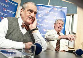 Карел Шварценберг и Милош Земан во время президентских выборов (Фото: Филип Яндоурек, Чешское радио)