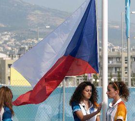 Чешский флаг над Чешской олимпийской деревней в Афинах (Фото: ЧТК)