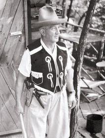"""Emmerich Rath war ein begeisterter """"Tramp"""" (Foto: Archiv des Emerich-Rath-Museums der Wintersporte)"""