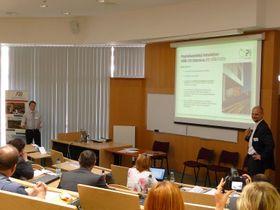 Miroslav Neulinger při přednášce na Vysoké škole báňské - Technické univerzitě vOstravě, foto: RIF 2012