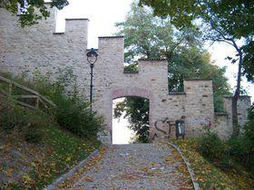 Голодная стена (Фото: ŠJů, Wikimedia Commons, License CC BY-SA 3.0)