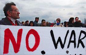 Ciudadanos checos se oponen a la eventual guerra en Irak, foto: CTK