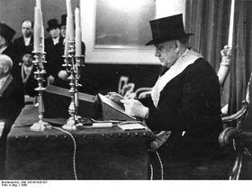 Первое заседание немецкой масонской ложи после окончания Второй мировой войны с участием братьев из США, Франции и Чехословакии, 1948 г., фото: Bundesarchiv, Bild 183-W1028-507 / CC-BY-SA 3.0
