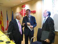 Manuel Espadas, Pedro Moya, director del Cervantes, y Manuel Reyes