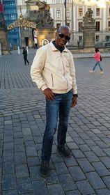 León Paulino Puey Marrero y Castillo de Praga, foto: Dominika Bernáthová
