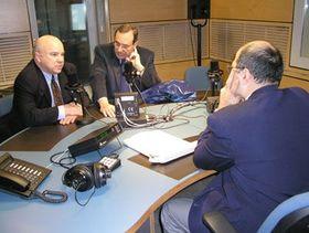 De izquierda: Frank Calzón, Carlos Alberto Montaner y Freddy Valverde (Foto: Carlos González-Shánel)