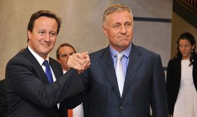 David Cameron, Mirek Topolánek (right) in 2009, photo: CTK