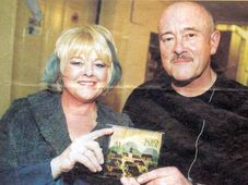 Hana y Petr Ulrych con el álbum 'Kolocava'