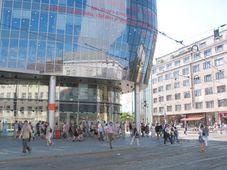 El centro de comercio 'Zlaty Andel' en Praga