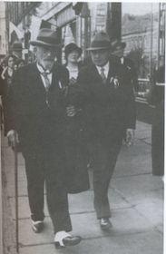 Доктор медицины Ф. Н. Досужков (слева), Фото: Архив А. Келина